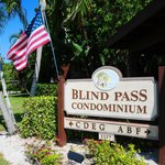 Blind Pass Condominiums Foto