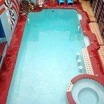 Pool w/Jacuzzi