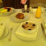 Chocolate Croissant, Oatmeal & Fruit