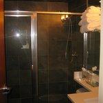 room 803 bathroom
