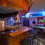 CountryInn&Suites PortWashington  Bar/Lounge