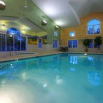 CountryInn&Suites Roanoke Pool