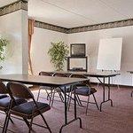 Photo of Americas Best Value Inn Evansville East