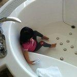 圓型按摩浴池