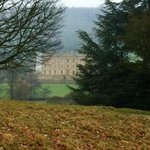 chatsworth house only 3 miles away
