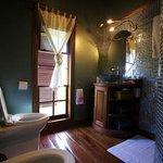 1 Bedroom Apartmet Shower Room