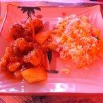 Maiale in salsa agrodolce e riso cantonese