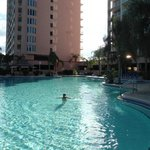 piscina grande e aquecida