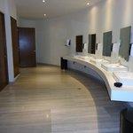 Les toilettes publiques, quelle belle intimité!!
