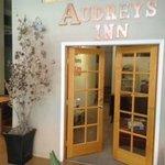 Lobby Audrey's Inn