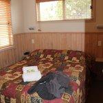 2 Bed Deluxe Cabin - Main bedroom