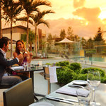 Arcuri restaurant - Alfresco dining under the sunset