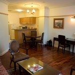 1 bdrm suite - kitchen
