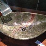 Il fighissimo lavandino del bagno!