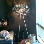 Design-Lampe im Zimmer