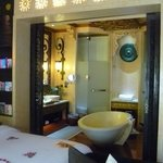 Baray Suite bathroom