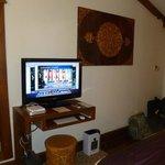 bedroom--free computer/TV combo