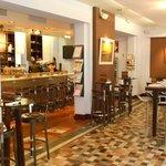 le bar / the Bar