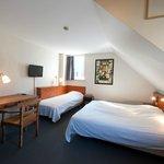 driepersoonskamer met kanaalzicht en bad