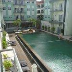 Foto de HARRIS Hotel & Residences Riverview Kuta