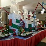 Christmas snow decorations in Dining area