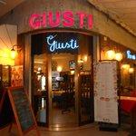 Photo of Ristorante Pizzeria Giusti Snc Di Orlandi Michela &.C.