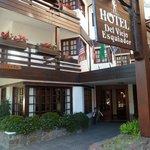 Frente Ingreso Hotel del Viejo Esquiador- San Martín de los Andes 2013.