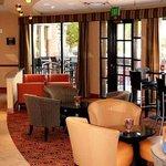 C3 Restaurant & Bar