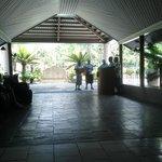 Entrance foyer - serenaders
