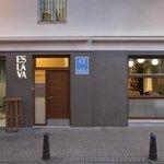 Bar, Restaurante y Apartamentos ESLAVA