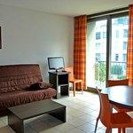 Park&Suites Confort Grenoble Meylan - Living Room