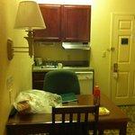Cocineta funcional y equipada