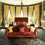 Oval Master Room