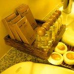 average bathroom amenities