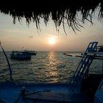 L'alba dal porticciolo di Gangehi