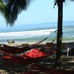 espaço relax em frente a praia