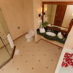 Bathroom of deluxe room