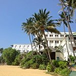 mount lavinia hotel beach