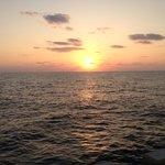 西港の夕日