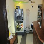 Distributore automatico di bevande calde e fredde