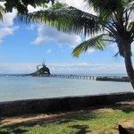 Zicht op het eilandje vanaf het restaurant