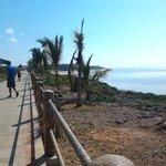 viale da ristorante princiale a spiaggia