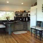 Lindauer Kitchen/Dining Area