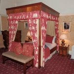 Gilbert Suite Four poster