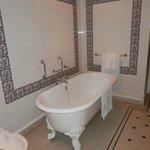 Gilbert Suite Bathroom