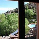 Vista desde la ventana lateral de la cabaña N°5