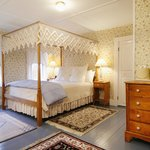 Surfside Queen Room with Private Bath