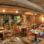 Restaurant Fee Chäller Saas Fee im Sunstar Hotel Beau-Site