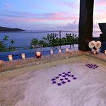 Outdoor bath in Maia Signature Villa