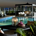 Rooftop Swimming-pool مسبح اعلا الفندق